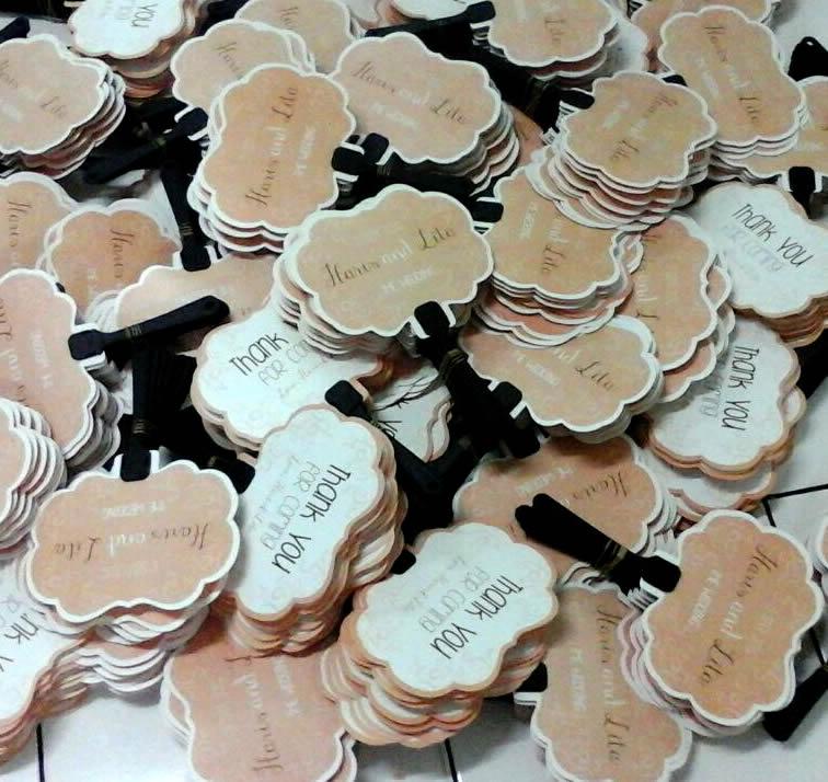 Kipas Plastik Undangan 'Souvenir' Haris dan Lita
