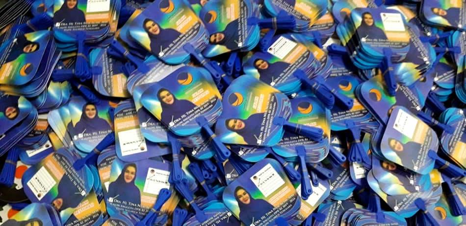 Kipas Plastik Kampanye Ibu Tina Nur Alam Caleg Partai Nasdem